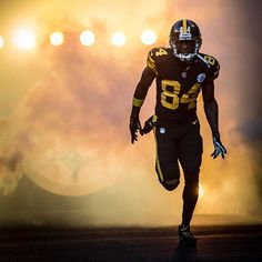 Antonio Brown has 481 receptions since 2013, increasing his NFL record for the most catches by a player in any 4-year span in NFL history.