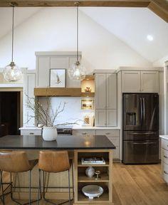 Home Decor Kitchen, New Kitchen, Home Kitchens, Kitchen Ideas, Apartment Kitchen, Kitchen Designs, Kitchen Island, Nelson Homes, Cabinet Trim