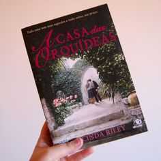 Fiz uma resenha do livro A Casa das Orquídeas.  Quer saber minha opinião sobre esse livro, é só acessar: http://ohmariabonita.blogspot.com.br/2017/03/resenha-casa-das-orquideas-lucinda-riley.html/   #resenha #livro #book #acasadasorquideas #lucindariley