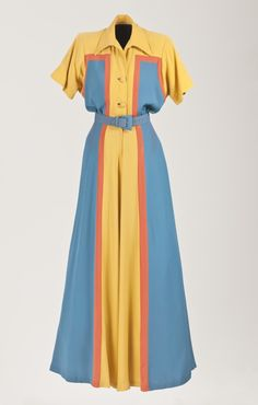 Vintage Fashion: Woman's hostess pajamas in blue, yellow and peach vertical stripes. Moda Vintage, Vintage Mode, Vintage Outfits, Vintage Dresses, 1940s Fashion, Vintage Fashion, Edwardian Fashion, 1940s Dresses, Flapper Dresses