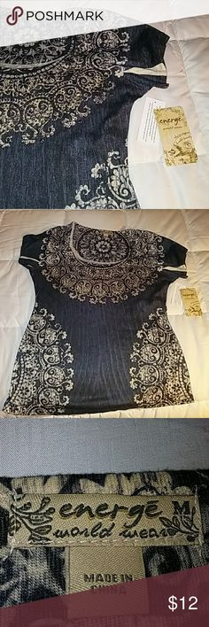 Top Crop neck brand new with design around neck with small gold studs designed around the bottom as well. Very nice flawless top very lite material Tops Crop Tops