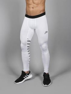 Iconic Reflective-Run Leggings / White Outfits Hombre, Sport Outfits, Gym Outfit Men, Lycra Men, Mens Tights, Compression Pants, Mens Fitness, Fitness Wear, Workout Leggings