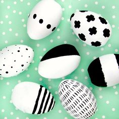 DIY Modern Black and White Easter Eggs- Today we are breaking all the rules and making DIY Modern Easter Eggs using black and white!
