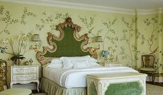 Chnoiserie wallpaper birds from Yrmural Studio,Good price with same high quality as deGournay and Fromental at http://www.yrmural.com