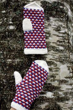 Mittens from Novita knits Fingerless Mittens, Knit Mittens, Knitted Gloves, Knitting Socks, Double Knitting Patterns, Fair Isle Pattern, Stroller Blanket, Mittens Pattern, Wrist Warmers
