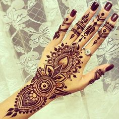 henna, tattoo, and hand imageの画像
