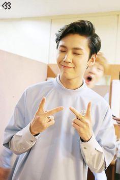Lol Changsubies face in the back Btob Ilhoon and Changsub Btob Ilhoon, Im Hyunsik, Lee Changsub, Minhyuk, Takuya Terada, Jung Jaewon, Lee Hyuk, Seo Kang Joon, Cube Entertainment