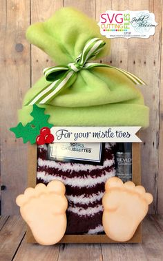 Mistle Toes Gift-Using Sitting Gnome Girl