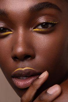 Makeup Goals, Makeup Inspo, Makeup Art, Makeup Inspiration, Beauty Makeup, Black Girl Makeup, Girls Makeup, Yellow Makeup, Photographie Portrait Inspiration