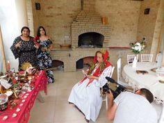 Vrăjitoarea Brățara a făcut un ritual de sacrificiu de zi pentru televiziunea din Moscova | Vrajitoare Online Cel mai mare Portal de Vrajitoare din Romania Bridesmaid Dresses, Wedding Dresses, Portal, Fashion, Russia, Flattering Bridesmaid Dresses, Bride Gowns, Moda, Bridal Gowns