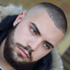 This guide covers every single type of fade haircut that you can try out. These are the best fade haircuts to get in Show your barber and get a new style. Best Fade Haircuts, Types Of Fade Haircut, High Fade Haircut, Haircuts For Men, High And Tight Haircut, Hairstyles Men, Hair And Beard Styles, Curly Hair Styles, Types Of Fades