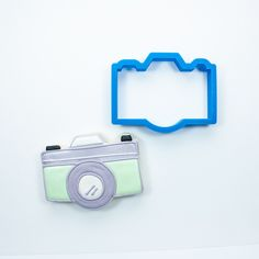 This 3D printed camera cookie cutter has been crafted for durability and quality. All cutters designed, engineered and tested by a fellow cookie enthusiast. Home page: www.frosted.co Collection: Baby