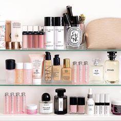 Beauty Look Book Beauty Shelfie Beauty Care, Diy Beauty, Beauty Skin, Beauty Makeup, Beauty Hacks, Beauty Tips, Beauty Products, Homemade Beauty, Beauty Ideas