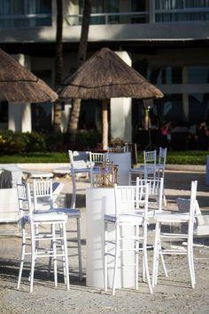 Have your cocktail hour on the beach #DreamsSandsCancun #Mexico #Destinationwedding