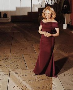 """Jessica Lange attends the red carpet event for FX's television series """"Feud: Bette and Joan"""", at the TLC Chinese Theatre in Hollywood, California. Celebrity Babies, Celebrity Style, Hooray For Hollywood, Diane Lane, Royal Babies, Joan Crawford, Matthew Mcconaughey, King Kong, Jessica Alba"""