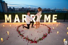 Creative proposal ideas in New York ✔ Looking for best proposal ideas ➔ Best marriage planning team Daretodream in NYC Cute Proposal Ideas, Proposal Pictures, Beach Proposal, Romantic Proposal, Perfect Proposal, Creative Proposal Ideas, Romantic Weddings, Wedding Pictures, Bachelorette Party Planning