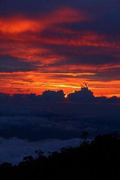 Sunset over the clouds at Laban Rata, Mount Kinabalu, Borneo, Malaysia