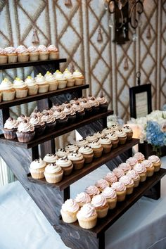 Top 14 Must See Rustic Wedding Ideas ---Need wedding ideas Check out this rustic cake display for spring or wedding wedding, diy dessert on a budget. wedding cupcakes Top 14 Must See Rustic Wedding Ideas for 2019 Dessert Bars, Diy Dessert, Dessert Bar Wedding, Wedding Cake Rustic, Wedding Cupcakes Display, Wedding Cake Cupcakes, Wedding Cupcake Table, Wedding Cup Cakes, Budget Wedding Cakes