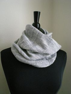Ravelry: Mira's Cowl pattern by Mira Cole   (This is the one I ended up giving to Mom, incidentally, G)