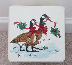 Vintage 80s Potpourri Press Christmas Goose Metal Trinket Tin Holly Berries Bows
