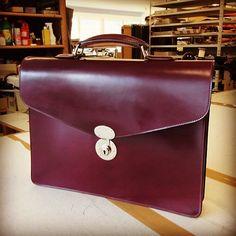 #briefcase #cordovan #cordovanbriefcase #cherrycordovan #horween #kreis #kreisledermanufaktur #madeingermany