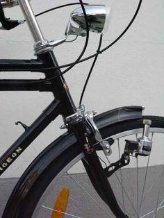 bikecult/bikeworks nyc/archive bicycles/flying pigeon roadster