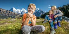 Detective trail Travel And Leisure, Detective, Switzerland, Skiing, Trail, Couple Photos, Young Women, Ski, Couple Shots