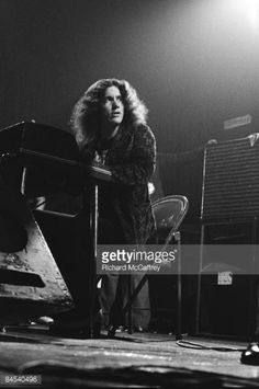 Pianist Billy Powell of Lynyrd Skynyrd performs live at the City Fairgrounds in 1974 in San Jose, California. Get premium, high resolution news photos at Getty Images Rock Music, My Music, Music Den, Great Bands, Cool Bands, Billy Powell, Street Survivors, Gary Rossington, Allen Collins