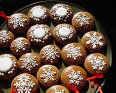 Christmas Gingerbread, Doughnut, Muffin, Cookies, Breakfast, Desserts, Food, Crack Crackers, Morning Coffee