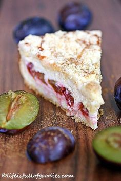 Plum and cinnamon cheesecake with crumble crust - Life Is Full .- Zwetschgen-Zimtkäsekuchen mit Streuselkruste – Life Is Full Of Goodies Plum and cinnamon cheesecake with crumble crust - Cinnamon Cheesecake, Cheesecake Recipes, Cinnamon Desserts, Food Cakes, Sweets Cake, Cupcake Cakes, Cup Cakes, No Bake Desserts, Dessert Recipes
