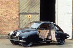 URSAAB 92001 1946 - Carro sueco. Tinha motor 2 cilindros transversal 2T, 25 hp, tração dianteira, tudo muito semelhante aos DKWs !!!