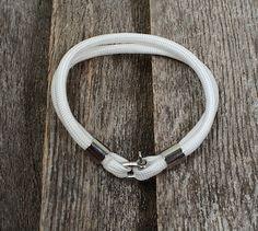 Bracelet en paracorde Bracelets, Jewelry, Paracord, Bangles, Jewellery Making, Arm Bracelets, Jewelery, Bracelet, Jewlery