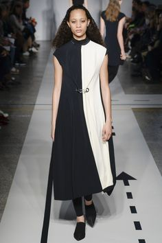 Sportmax Fall 2017 Ready-to-Wear Collection Photos - Vogue