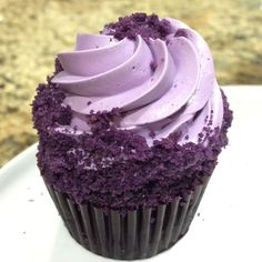 Exciting new products being developed in our kitchen! Featuring our ube cupcake filled with our house-made ube jam and topped with ube swiss meringue frosting and edged with ube cookie crumbs! Ube Recipes, Cupcake Recipes, Baking Recipes, Meringue Frosting, Swiss Meringue, Ube Jam, Filipino Desserts, Filipino Dishes