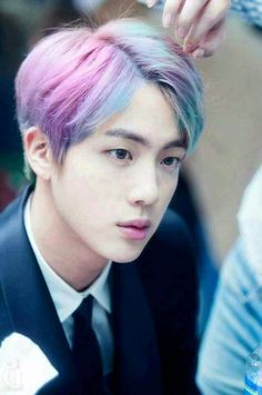Honestly, I'd be down for this hair on Jin