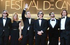 Dernier salut pour l'équipe de Killing Them Softly : le réalisateur Andrew Dominik et les acteurs Dede Gardner, Ray Liotta, Ben Mendelsohn, Scoot McNairy et Brad Pitt.