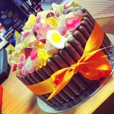 Haribo Birthday Cake, Sweetie Birthday Cake, Sweetie Cake, Birthday Cakes, Candy Cakes, Cupcake Cakes, Cupcakes, Chocolate Bar Cakes, Yummy Ice Cream