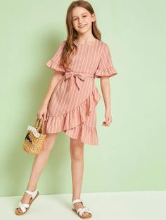 Stylish Dresses For Girls, Frocks For Girls, Cute Girl Outfits, Little Girl Dresses, Cute Dresses, Girls Dresses, Kids Outfits Girls, Girls Fashion Clothes, Teen Fashion Outfits