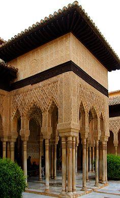 Patio los Leones. Alhambra. Granada Spain. Moorish Architecture. (1333–1353)