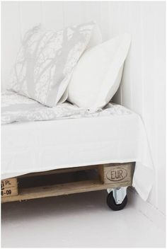 So simple and easy for an Guest bed x