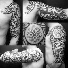 vikings tattoo, armtattoo mit vielen elementen, arm tätowieren