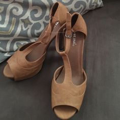 REDUCED  NWOT faux leather heels size 9 NWOT! These are a light brown perfect for summer kind of heel! 5 and 1/2 inch heel with 2 inch platform makes them very comfortable to wear. I bought 2 pairs and never wore this one. They say size 9 on the bottom of the shoe but I run from a 9 and a half to 10 so I think these run big. Feel free to ask any questions for make an offer :) Wet Seal Shoes Heels