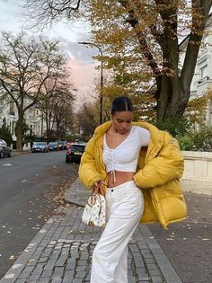 puffer jacket and designer handbag outfit #designer #puffer #louisvuitton #minimal #creative Vintage Bar, New Bag, North Face Jacket, Puffer Jackets, Latest Trends, Street Wear, Summer Outfits, Women Wear, Street Style