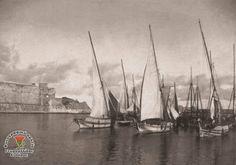 Φωτογραφία του χρήστη Γεωργαλλίδης Σταύρος η Ρόδος του Χτες.  Ρόδος Παλιά Πόλη. Άποψη του λιμανιού της Κολόνας (Σκάλα) 1920 ..