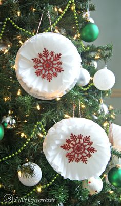 What an AWESOME way to add WOW to your Christmas Tree Decorations! Make these Coffee Filter Snowflakes ~ Inexpensive Holiday Ornaments for your Holiday Decor! // 3 Little Greenwoods Your information will *never* be shared or sold to a party. Outdoor Christmas Wreaths, Creative Christmas Trees, Rustic Christmas Ornaments, Metal Christmas Tree, Christmas Tree Decorations, Christmas Crafts, Christmas Bulbs, Snowflake Ornaments, Christmas Ideas