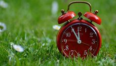 """Don't forget to """"spring"""" forward! Daylight Savings Time begins on Sunday This is a friendly reminder to set your clocks ahead 1 hr. Saving Tips, Saving Money, Time Saving, Money Savers, Saving Ideas, Was Ist Reiki, Usui Reiki, Baby Schedule, Daylight Savings Time"""