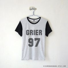 Grier 97 Baseball Tee Nash Grier Shirt Youtuber Shirt Tumblr (14 CHF) ❤ liked on Polyvore featuring tops, t-shirts, black, women's clothing, cowgirl shirts, western t shirts, pattern t shirts, black baseball tee et baseball tee
