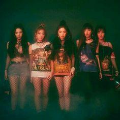 Kpop Girl Groups, Korean Girl Groups, Kpop Girls, Red Velvet Seulgi, Red Velvet Irene, Chanbaek, K Pop, Red Velvet Photoshoot, Red Valvet