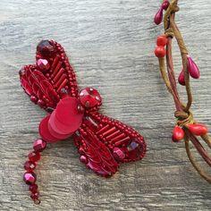 Dragonfly brooch, beadbrooch, insect brooch. Термінове замовлення + було натхнення = брошка готова за 2,5 год #брошкастрекоза #брошьстрекоза #стрекоза #стильнаяброшь #брошьнасекомое #dragonfly #dragonflybrooch #chic #oksanasavchenkodesign