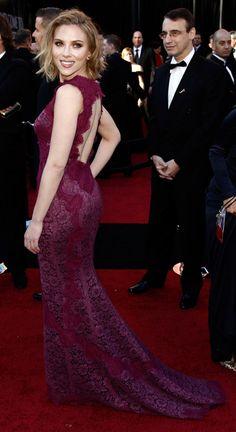 Scarlett Johansson in Dolce & Gabbana at the 2011 Oscars